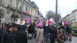 Hükümet Konağı'nda Başbakan İçeride Göstericiler
