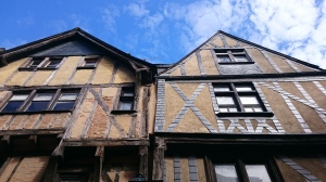 Ortaçağdan kalma binalar