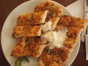 Kaymaklı Peynirli Pide Fotoğraf: Gülbin Özdamar Akarçay